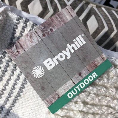 Broyhill Outdoor Pillow Hang Tag Rating