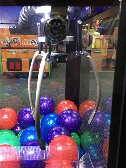Chuck E Cheese Coin-Op Grapple-Skill-Game