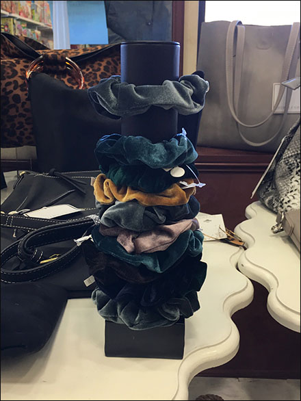 Shiraleah Chicago Scrunchies Table-Top Tower