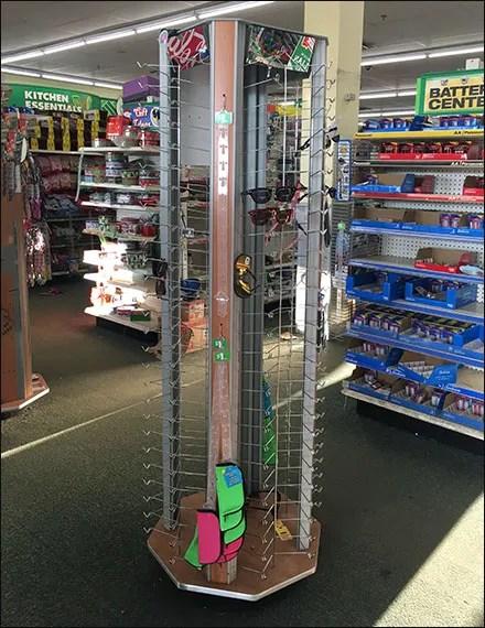 Spread-Strut Sunglass Hook Display Tower