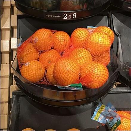 Market 32 Organic Produce Tray Cascade Details.Aux