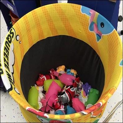 Rubber-Chicken Squeaky-Toy Barrel Sales