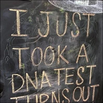 Witches DNA-Test Chalkboard Door