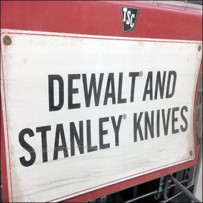 Dewalt-Stanley Knife Powerwing Display