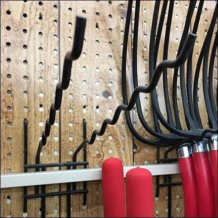 Undulating Pitchfork Double-Arm Utility Hook
