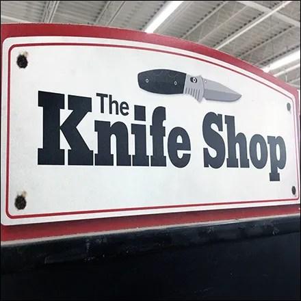 Knife-Shop Vertical Museum Case