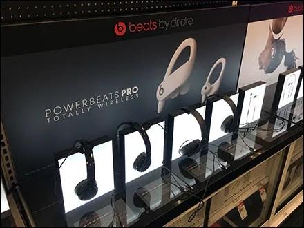 Beats Backlit Median Headphone Display