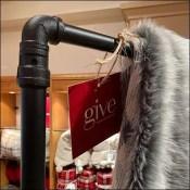 Blanket Display Hangrail Pipe Details