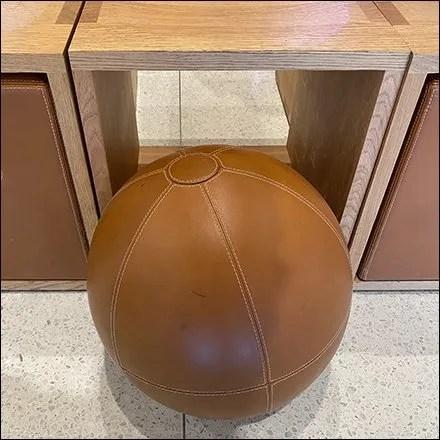 Apple Platform Bench Pilates-Ball Pullout