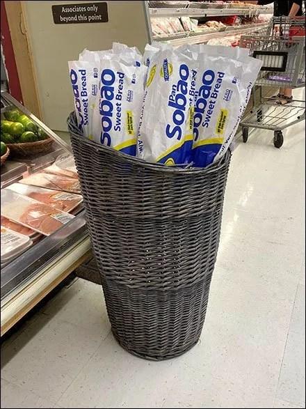 Sobao Sweet-Bread Wicker Basket Display
