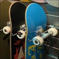 Zumiez Dual-Use Skateboard Slotwall-Slatwall Hook