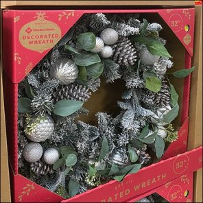 Private-Label Decorated Christmas Wreath