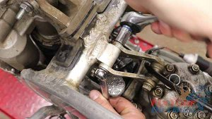 Top End Service - Part 1 - Cylinder Head Removal - Engine Hangers
