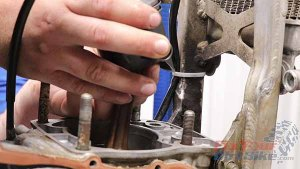 1997 - 2001 Honda CR250 - Top End Service - Part 11 - Piston Installation - Position Piston Over Connecting Rod