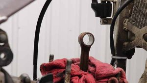 Top End Service - Part 3 - Piston Removal - Wrap Conecting Rod