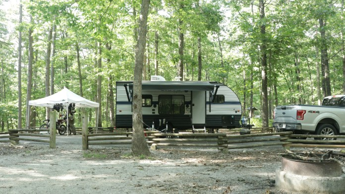 Full RV Pullthrough Camping Spots with Electric Hookups