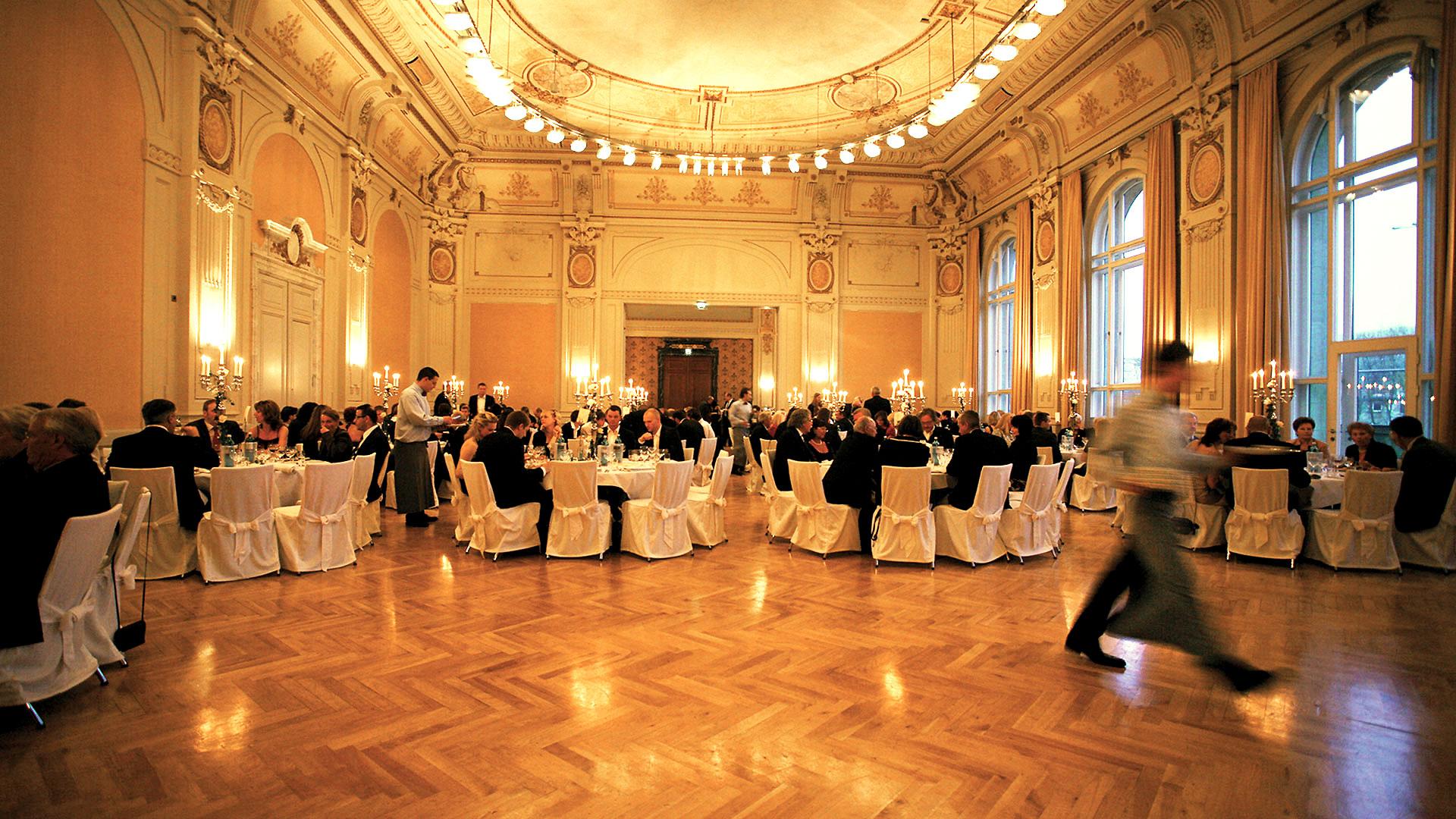 Historische Stadthalle Wuppertal  Hochzeit  fiylo