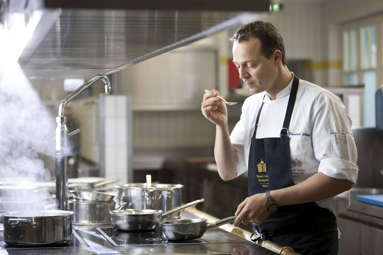Lorenz Adlon Esszimmer  Restaurant  fiylo