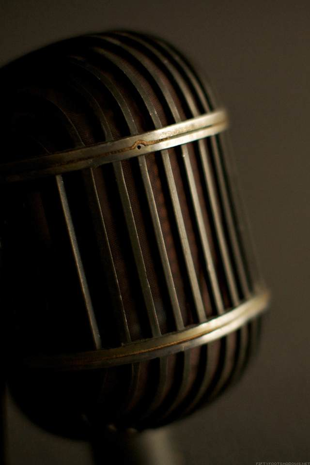 Retina wallpaper-mic