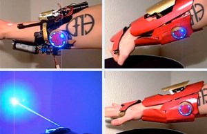 Iron Man Gauntlet With Pop-Up Burning Laser Blaster