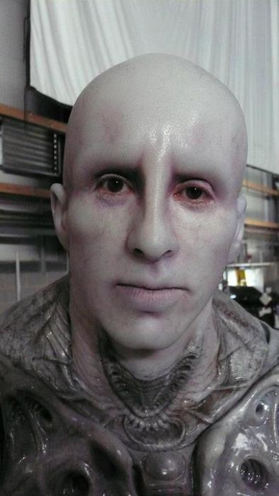 the_making_of_an_engineer_from_prometheus_640_high_09