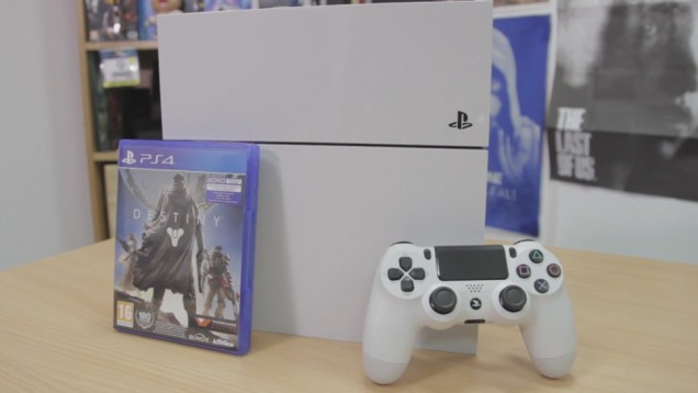 White PlayStation 4 (2)