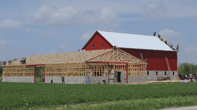 Timelapse Shows Amish Farmers Raise a Barn