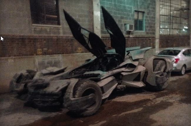 new Batmobile from Batman v Superman  (2)