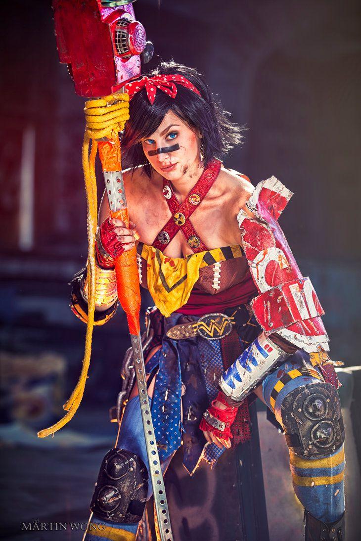 Atomic Wonder Woman Cosplay