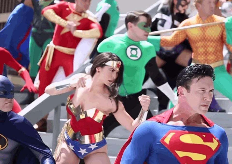 Justice League VS Legion Of Doom