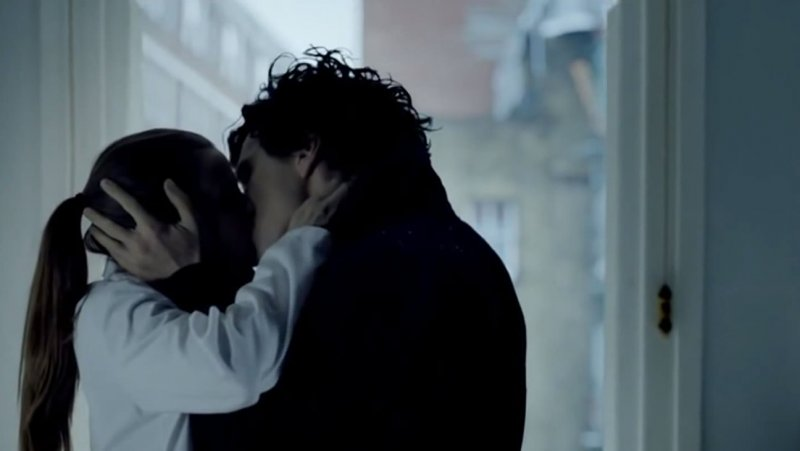 Benedict Cumberbatch Explains How Sherlock Will Play A Love Scene