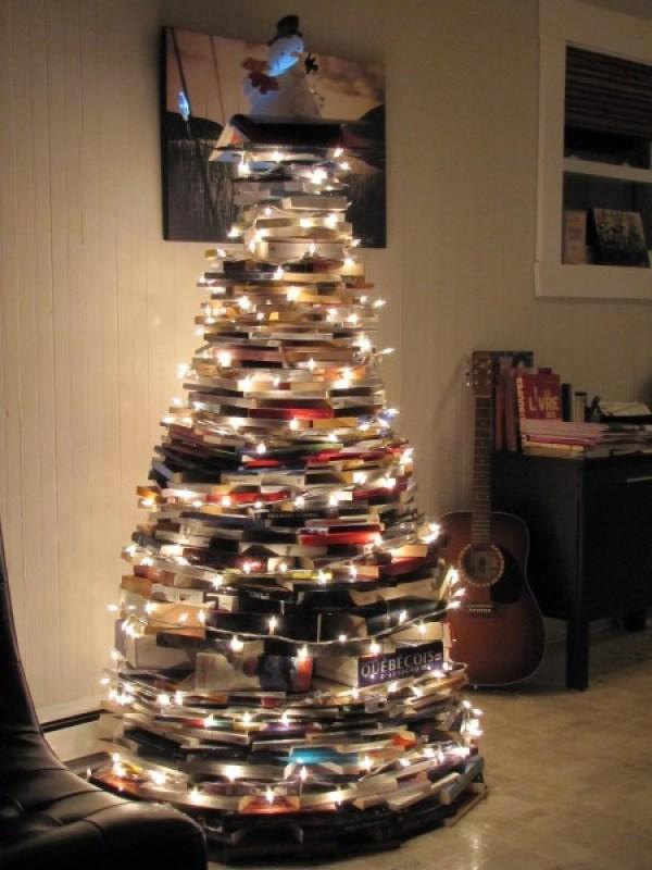11 Creatively Alternative Christmas Trees This Season (9)