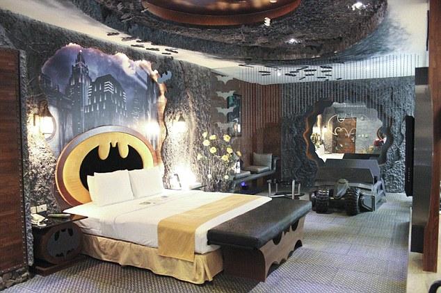 BATMAN-Themed Taiwanese Hotel Room