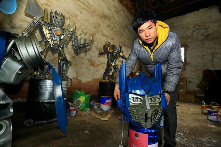 Father and Son Build Giant TRANSFORMERS Out of Scrap Metal