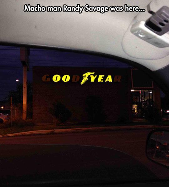 22 Unfortunate Sign Light Fails
