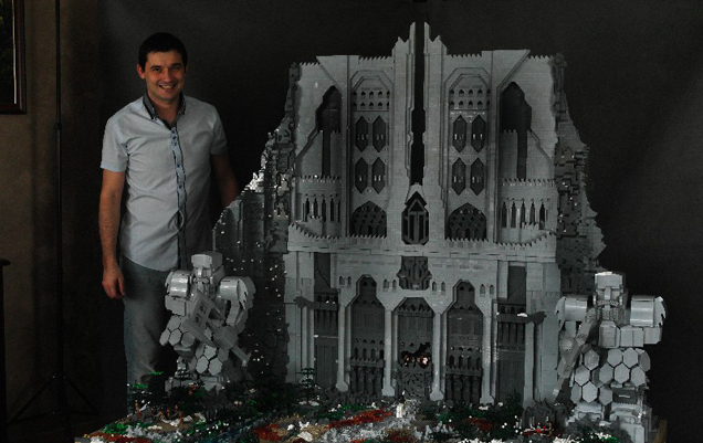 THE HOBBIT's Gates of Erebor Created with 55,000 LEGO Bricks