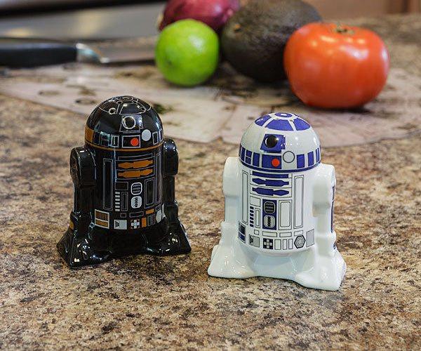 Exclusive-Star-Wars-R2-Q5-Measuring-Cup-Set-01