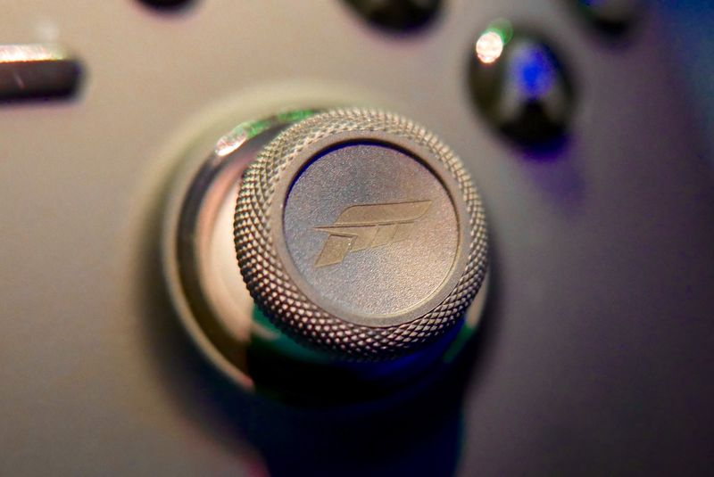 Forza-branded Xbox One Elite Controller