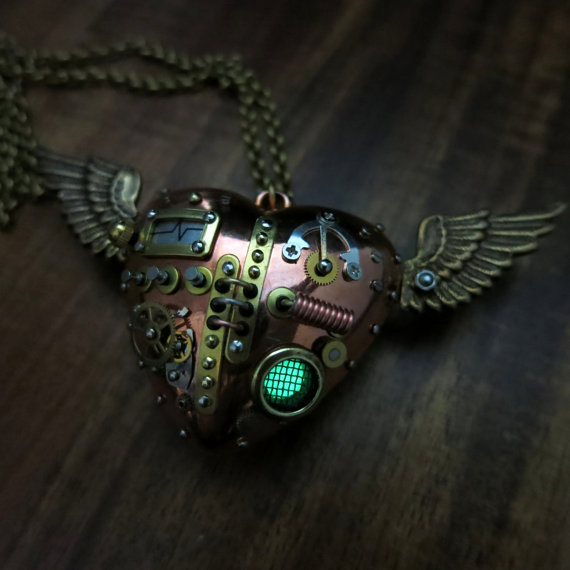 Insane Steampunk Mechanical Heart Pendant