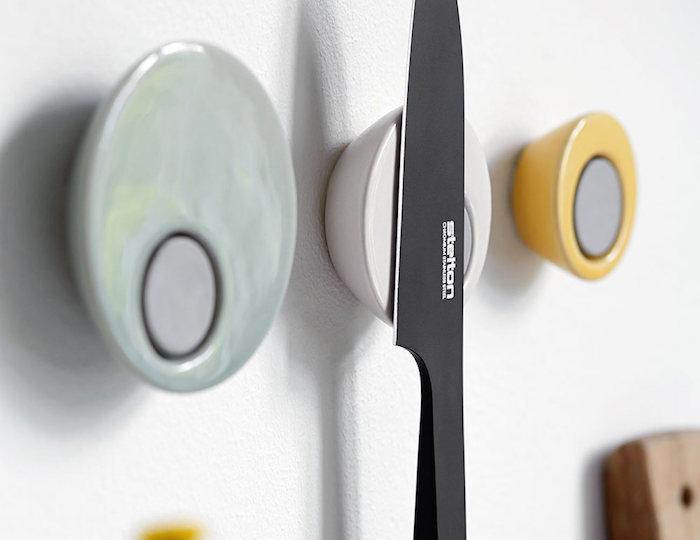 Magna-Knife-Magnet-01
