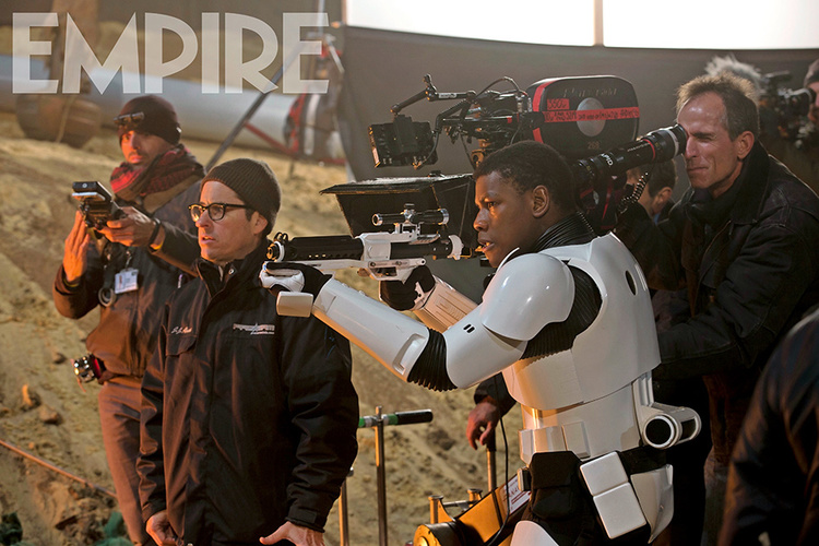 STAR WARS THE FORCE AWAKENS Photos and BB-8 Cover (3)
