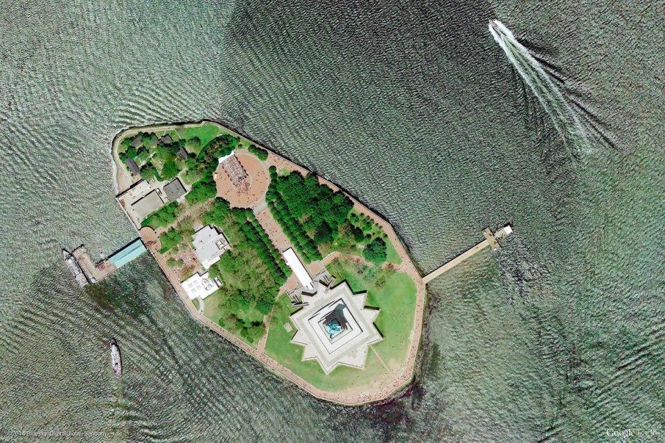 liberty-island-new-york