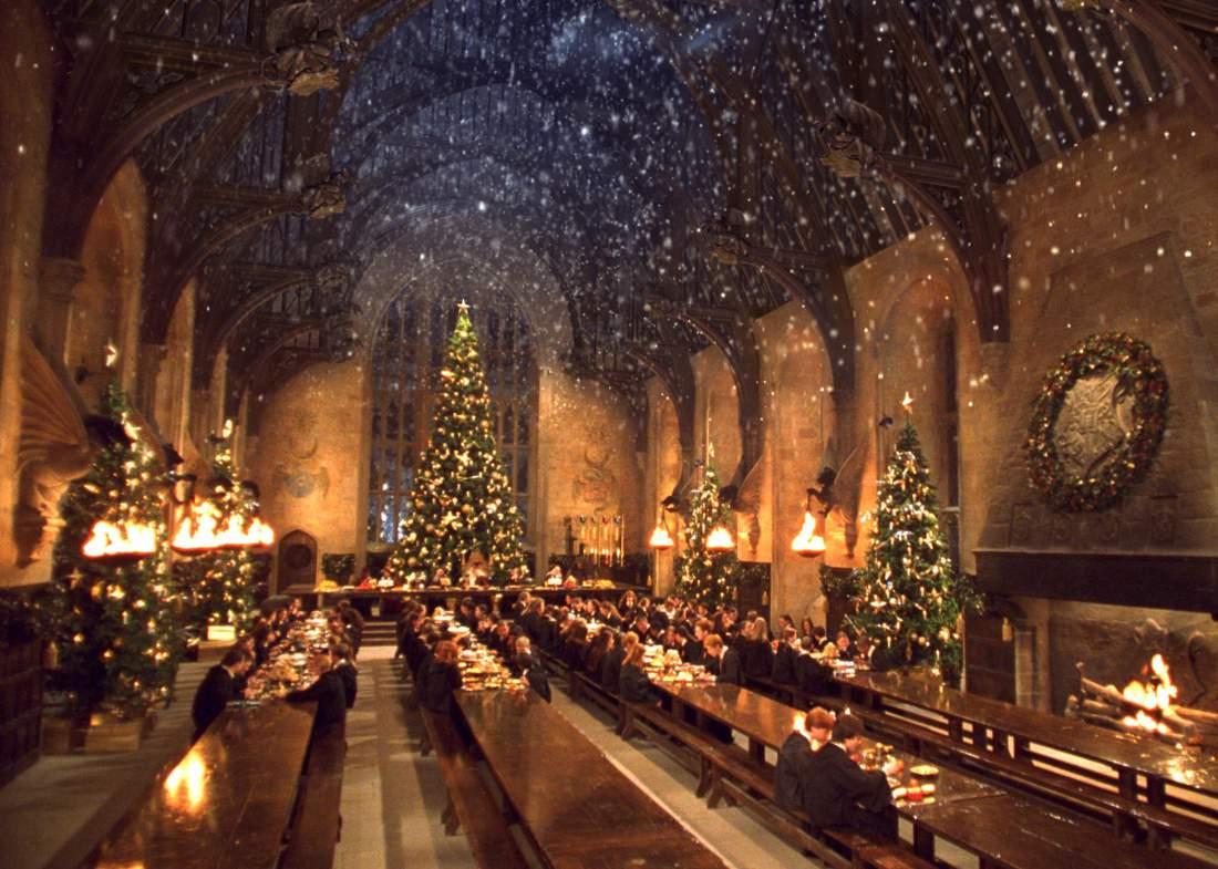 Top Wallpaper Harry Potter Dining Hall - christmas-movies-07  HD_69333.jpg