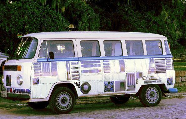 R2-D2 VW bus