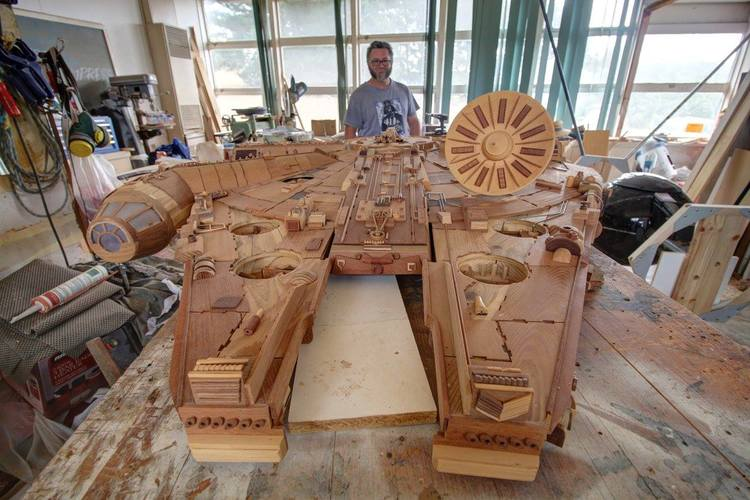 Carpenter Makes STAR WARS Millennium Falcon Out of Wood