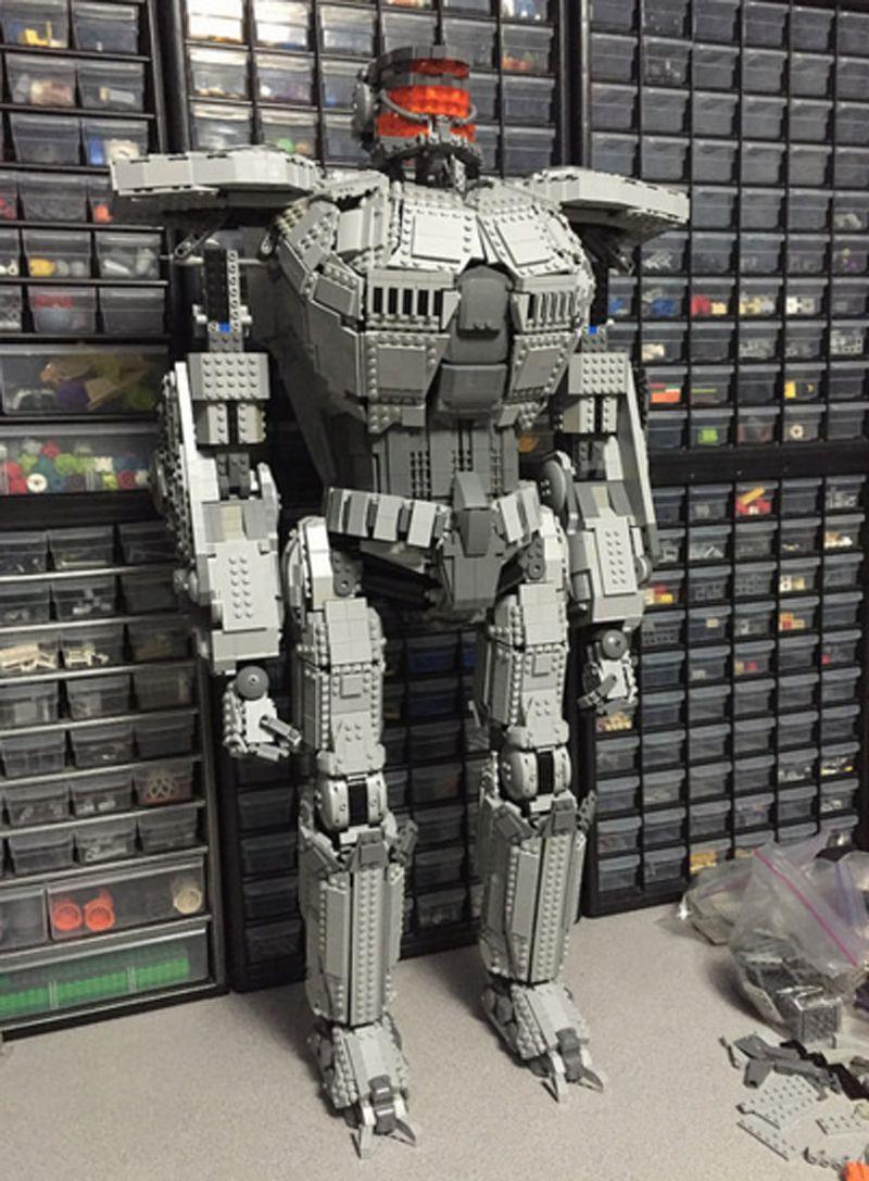 Pacific Rim Jaeger lego set
