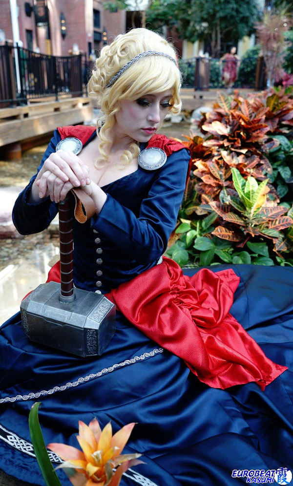 Female Victorian Thor Cosplay