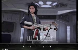 ALIEN Ellen Ripley Action Figure By Hot Toys