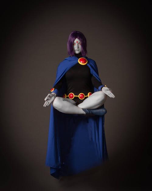 raven cosplay (1)