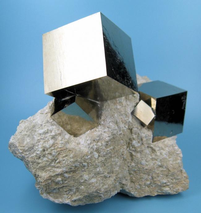 533305-650-1452509505-2780M-pyrite1